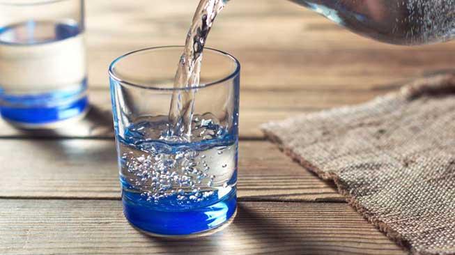 minum air
