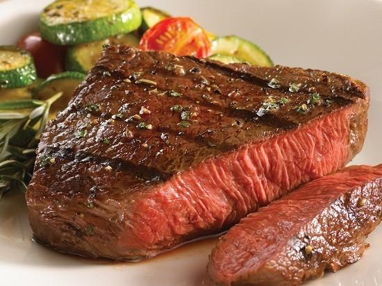 Daging steak sapi